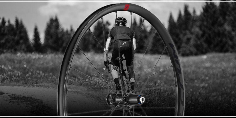 Distribuidores ruedas Fulcrum